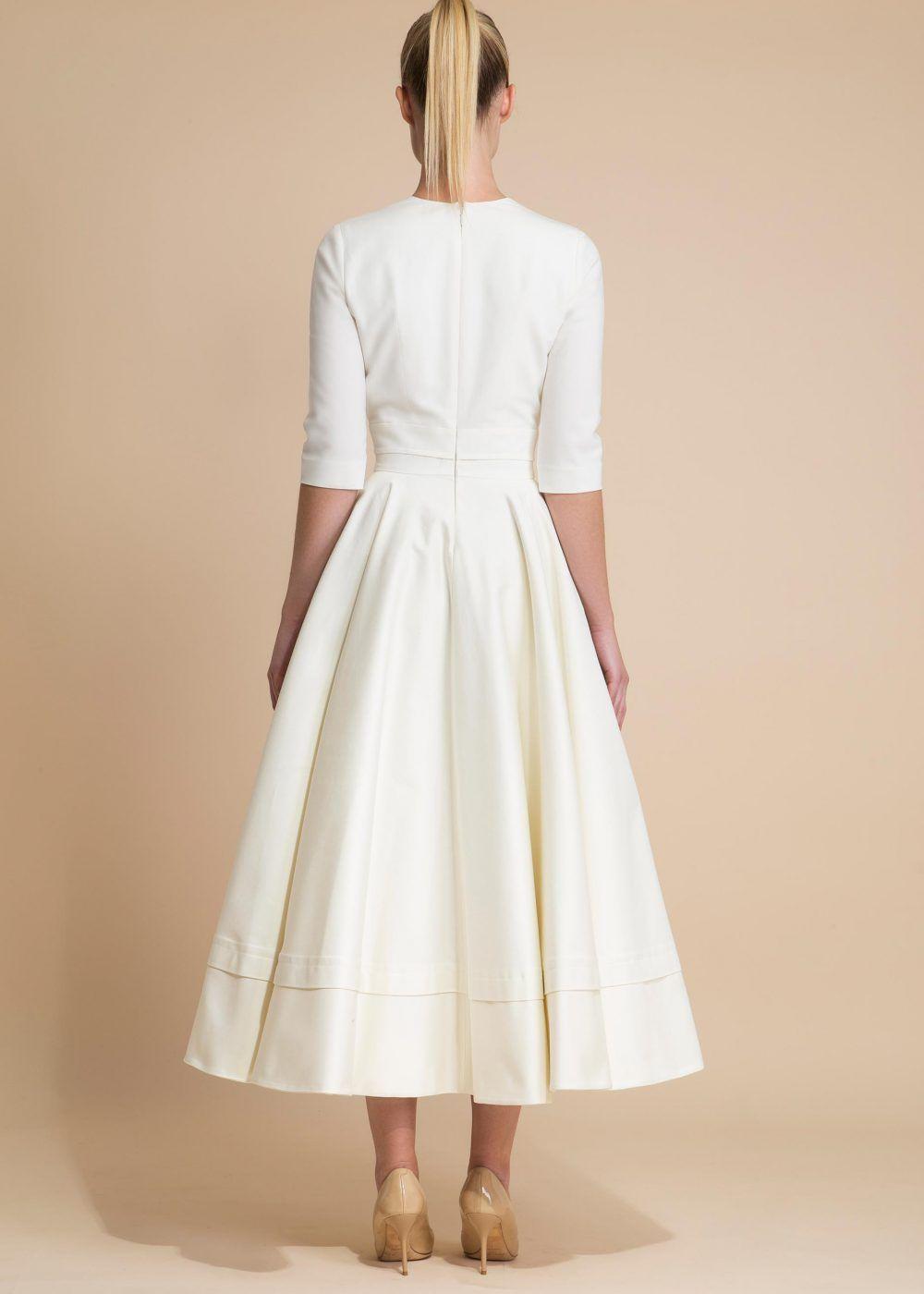 robe de mari e longueur midi avec encolure en v wedding dress pinterest mariage mariage. Black Bedroom Furniture Sets. Home Design Ideas