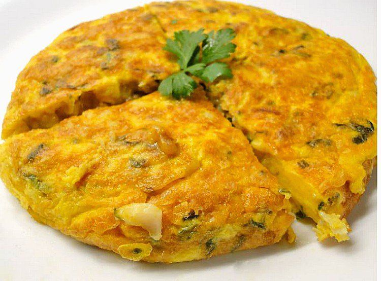 Tortilla de bacalao, espectacular tortilla tradicional en la época de Cuaresma hace desde hace décadas. El bacalao tiene 18 gramos de proteínas
