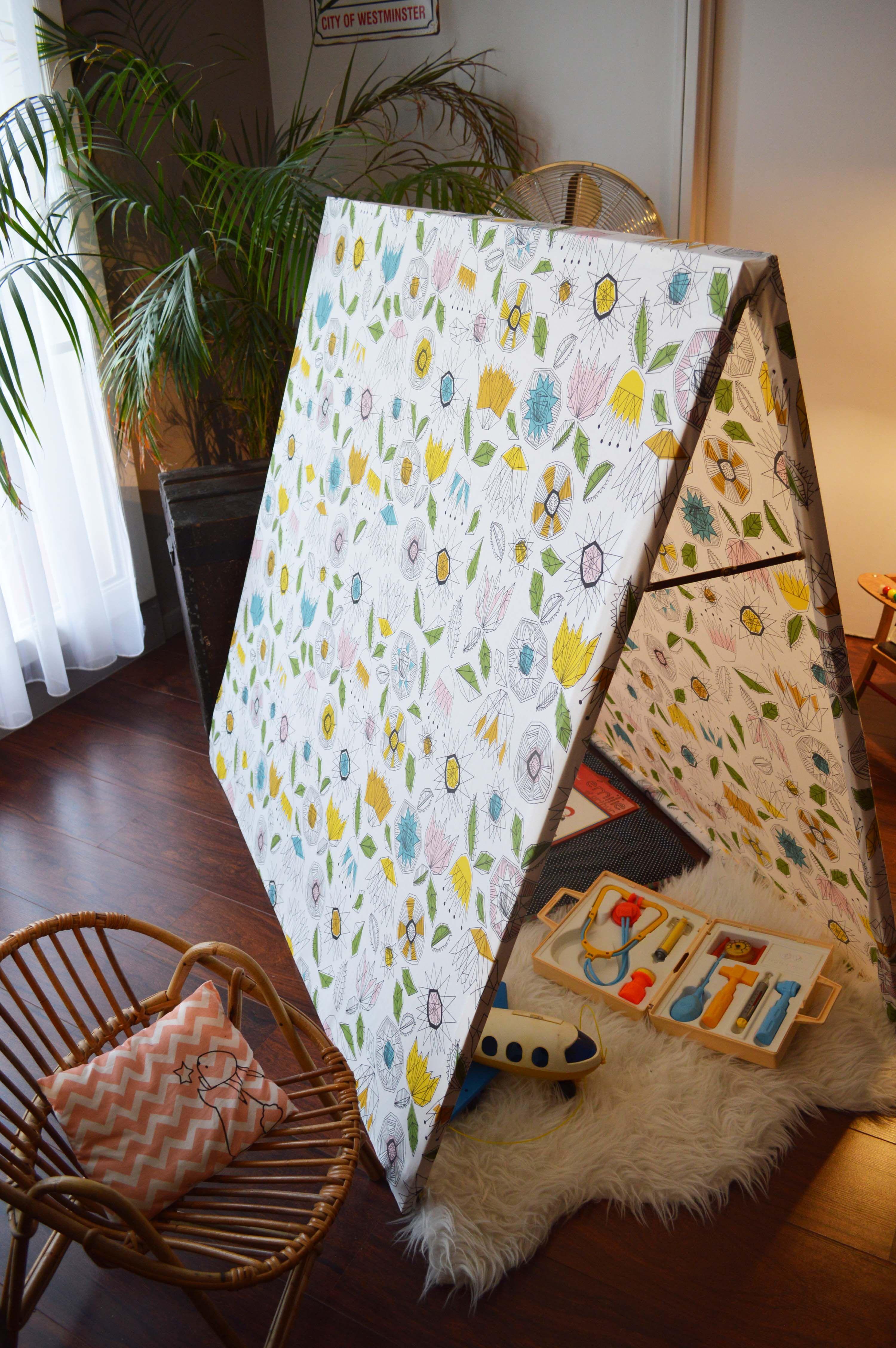 diy cabane en tissu diy tipi diy pinterest tissu diy et cabanes. Black Bedroom Furniture Sets. Home Design Ideas