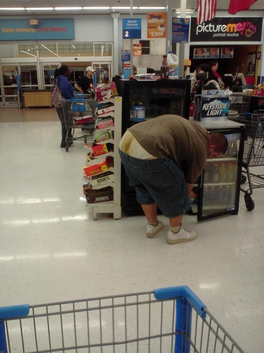 bee1f5df50c8 Meanwhile at Walmart....it must be the yellow gatorade/keystone light  concoction that made his shart that baby shit yellow color....that's gotta  smell!!