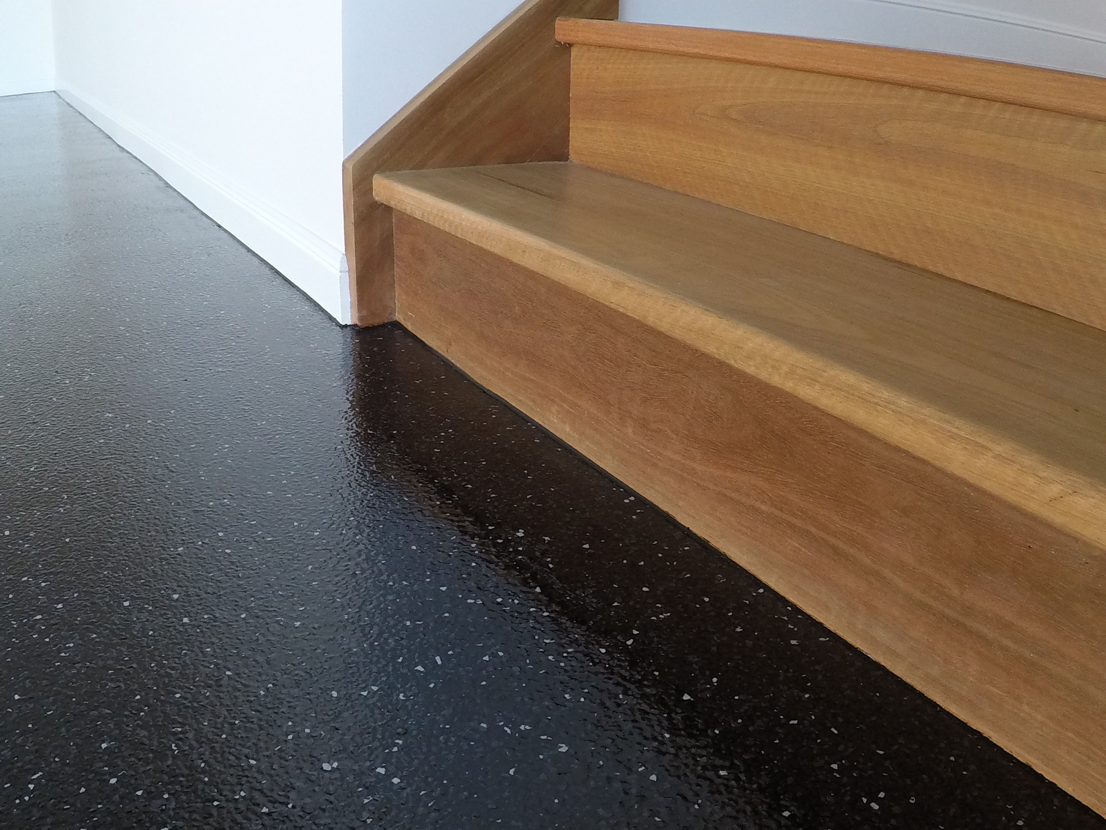 Call Your Local Sunshine Coast Epoxy Flooring Specialists On 0424