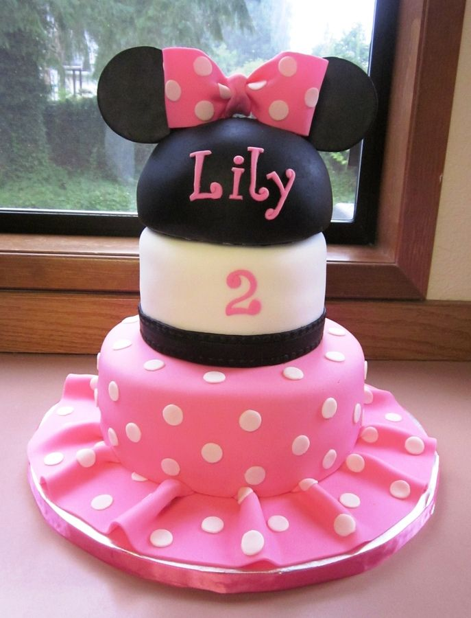 Minnie Mouse cake from Cake Central Everything is fondant Minnie