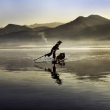 Inthalake, Myanmar, 2011  #Exhibition #SteveMcCurry #Brussels #Travel #Photography #Photographer