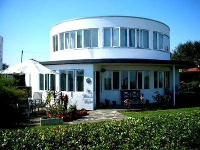 modernist round house at the frinton park estate in on sea essex it was designed by architect oliver hill november and altered also rh pinterest