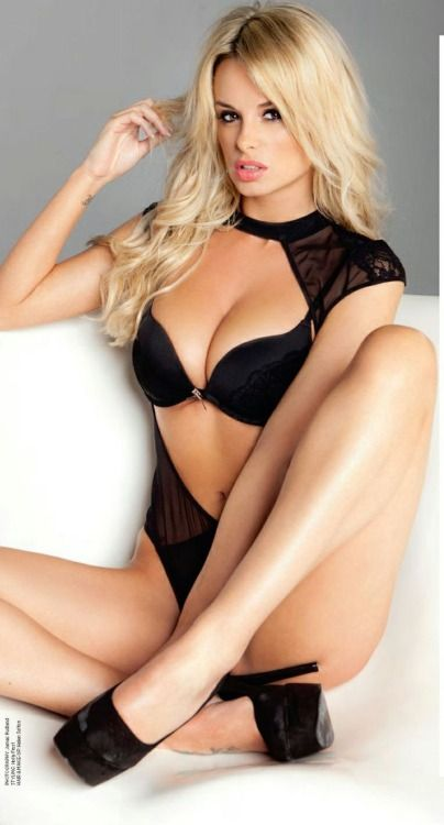 Hot Blondes In Glasses
