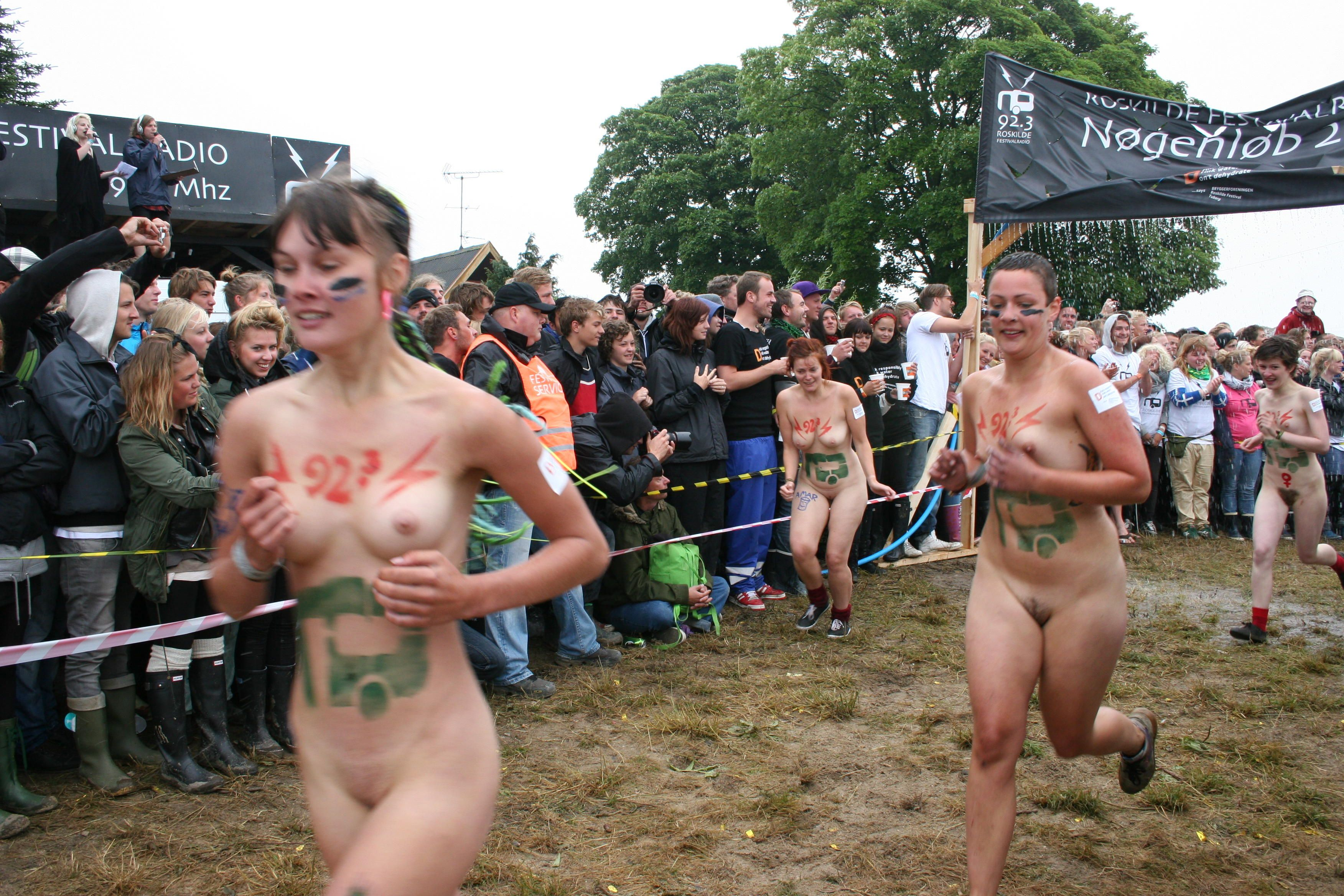 naked girls in the butt and breast torture games