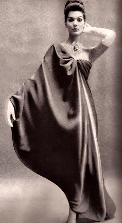 f6c32cc5176b Balenciaga ♥ 1960 Timeless Fashion