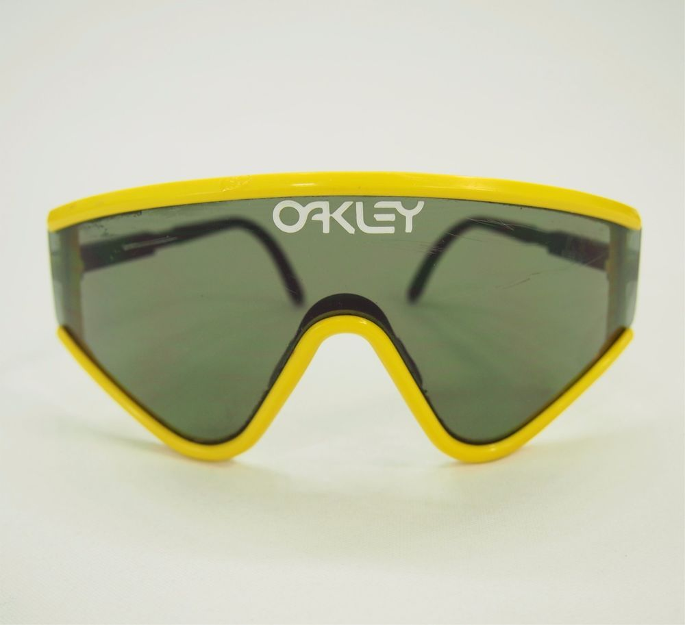 0b25a1e2604 Vtg OAKLEY Yellow M Frame Glasses Ski Bike Goggles Sunglasses  Oakley