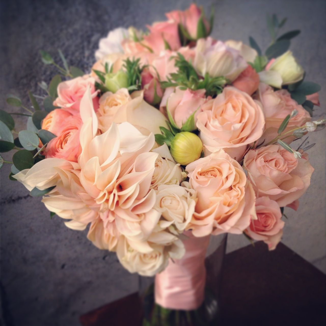 Interesting Peach Garden Rose Bouquet Dahlias White Beige For Design