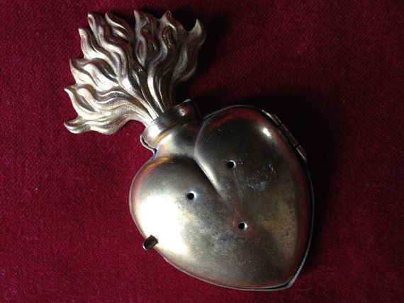 French sacred heart reliquary Ex Voto locket by lesjardinsdeleanor, $255.00