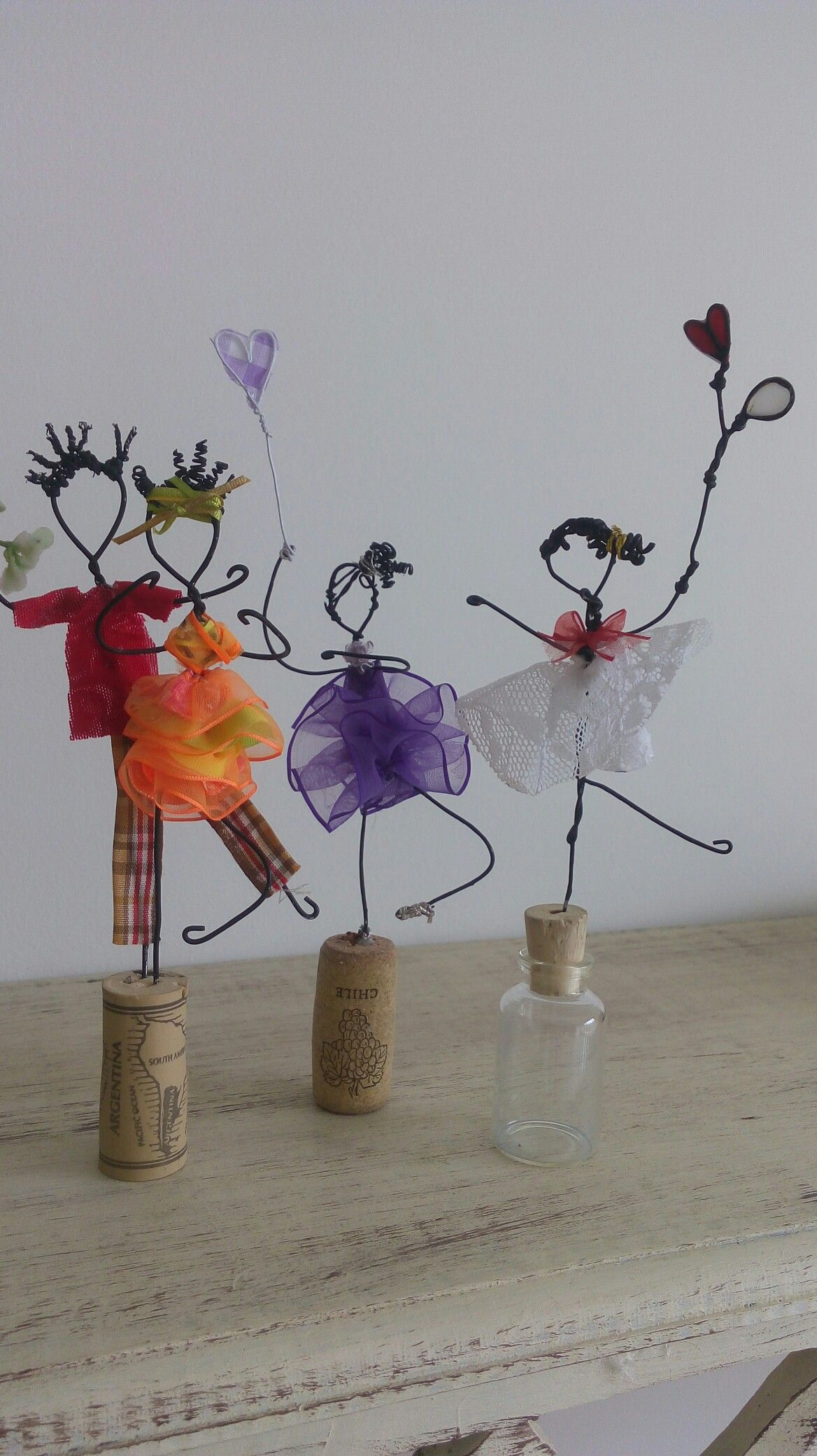 Pin by Sharron Tabelle on Gifts | Wire crafts, Wire Art, Crafts for kids