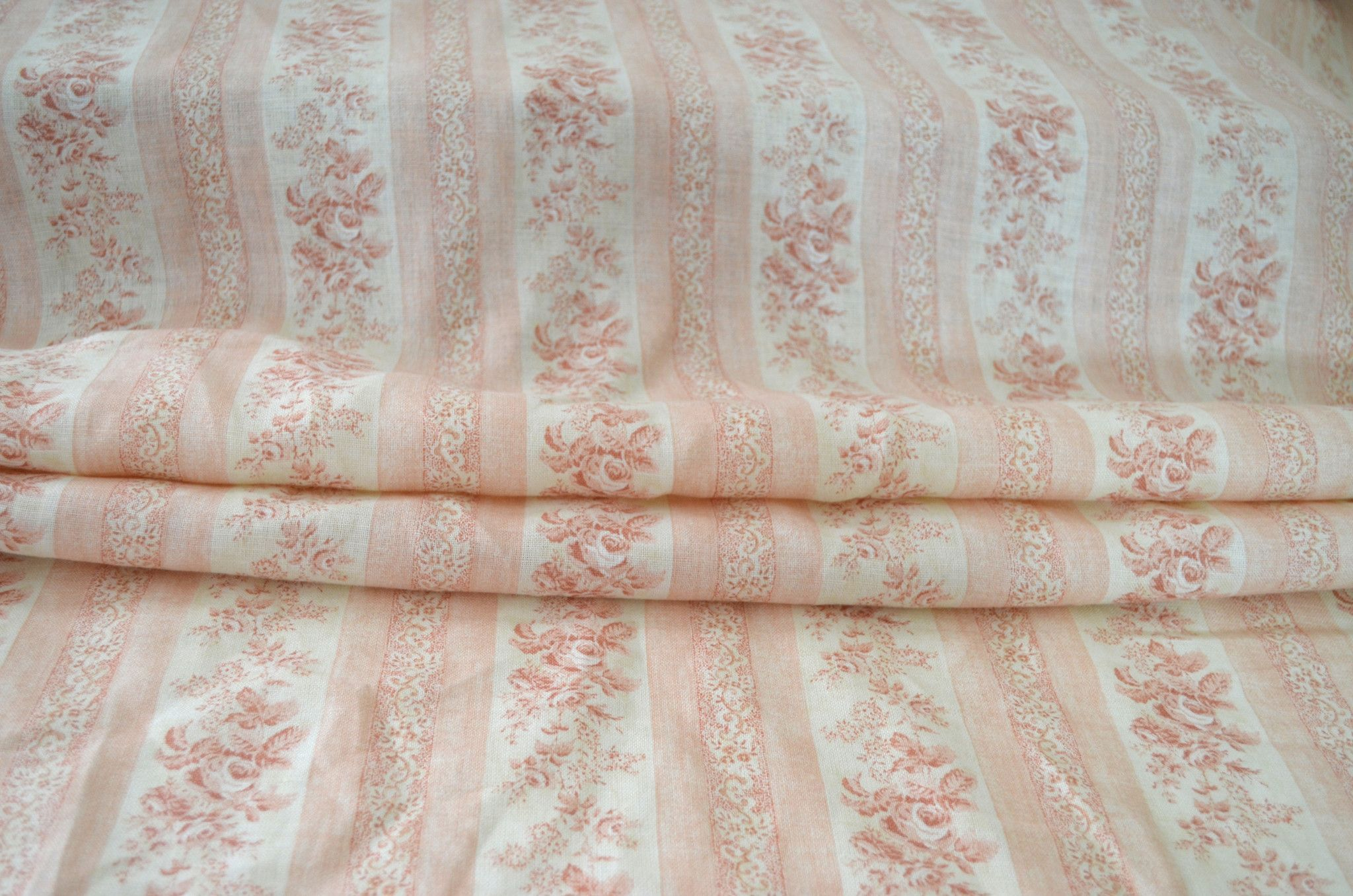 53 Wide X 36 Long This Is A Beautiful Quality Upholstery Weight Linen With