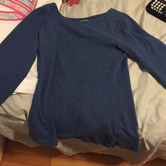 Blue cut off tee arms are 3/4 and it is gently used Old Navy Tops