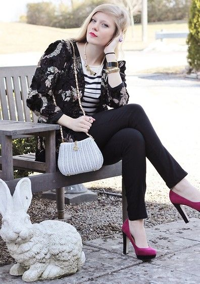 Me and My Bunny (by Sydney Hoffman) http://lookbook.nu/look/4741903  All black with the pink shoes - love it!