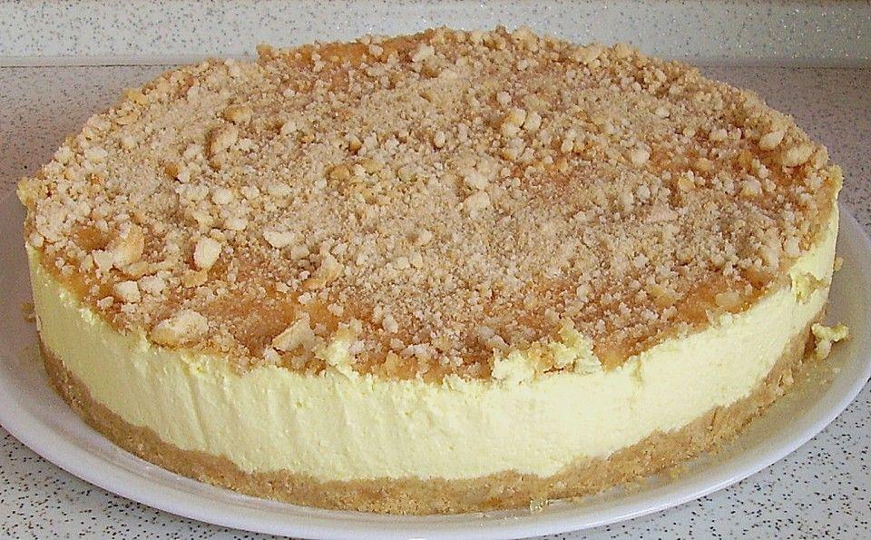 Zitronige PHILADELPHIA-Torte mit Frischkäse, LÖFFELBISKUITS und SCHLAGSAHNE