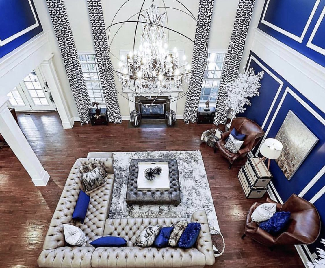 outstanding navy white living room | Beautiful luxury living room with navy blue walls, silver ...