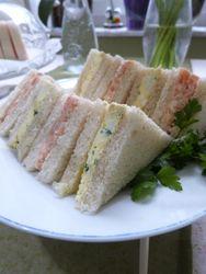 Ei-Kresse-Sandwiches, Räucherlachs-Sandwiches