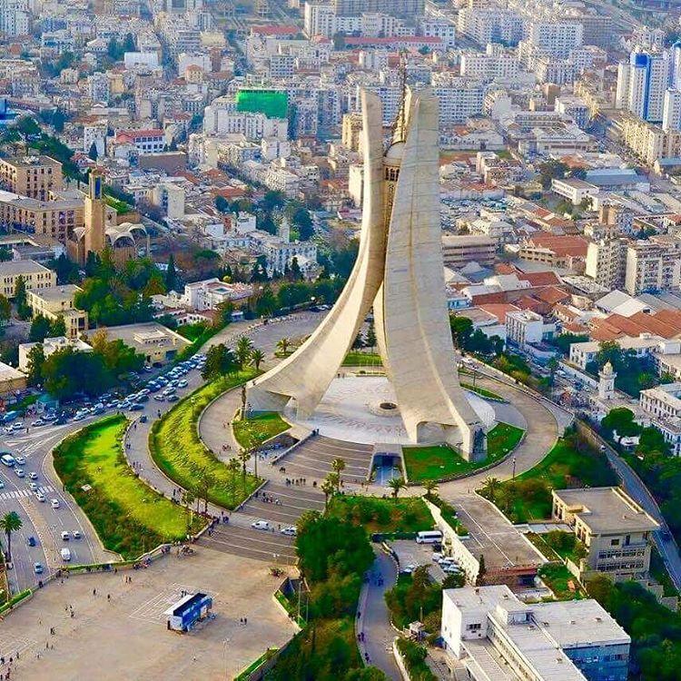 1 2 3 Viva L Algerie On Instagram السلام عليكم صباح الخير ازول فلاون صفحتكم تتمنى لكم يوم سعيد و موفق للجميع Places To Visit Paris Skyline Skyline