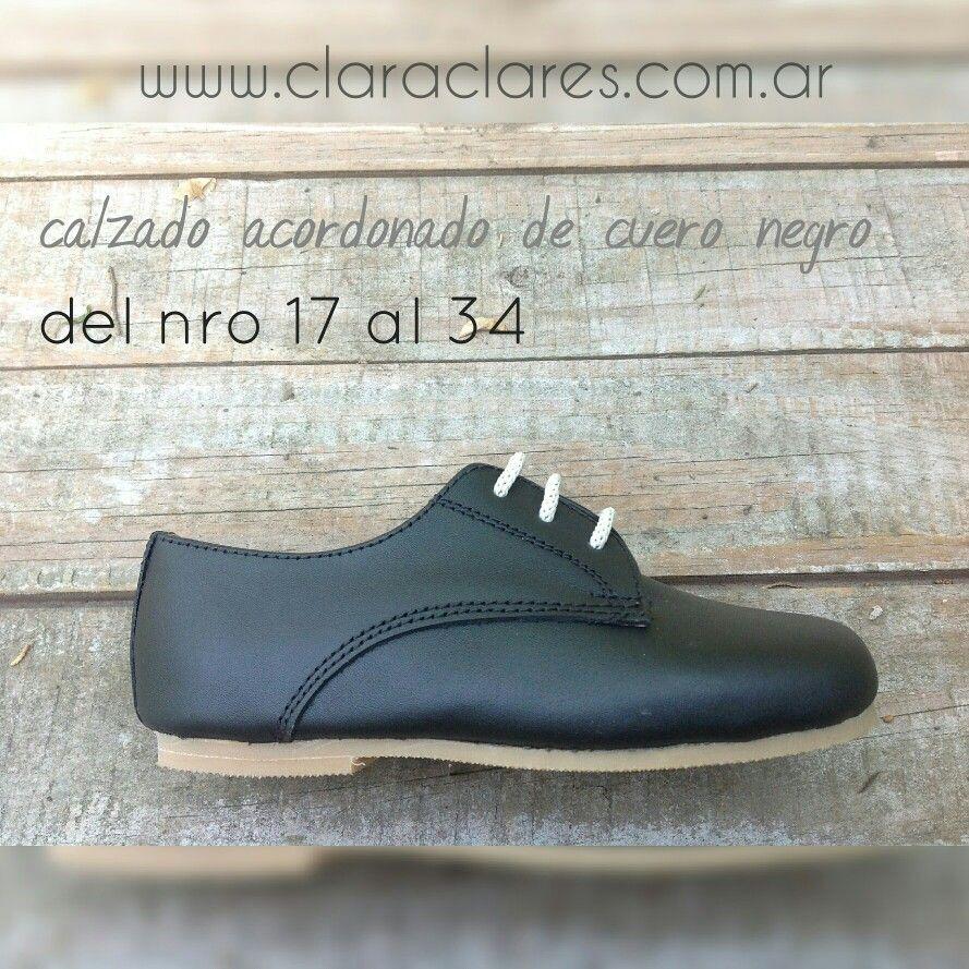da4582aef79 Ropa de bautismo para varón en Argentina. Zapatos de bebé nene niño.  Tiradores y moño. www.claraclares.com.ar