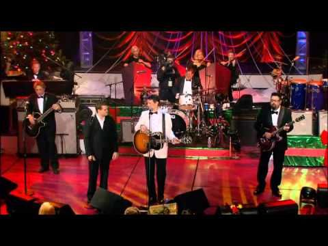 Michael Buble & Chris Isaak - The Christmas song (Chestnuts roasting on an open fire) - YouTube ...