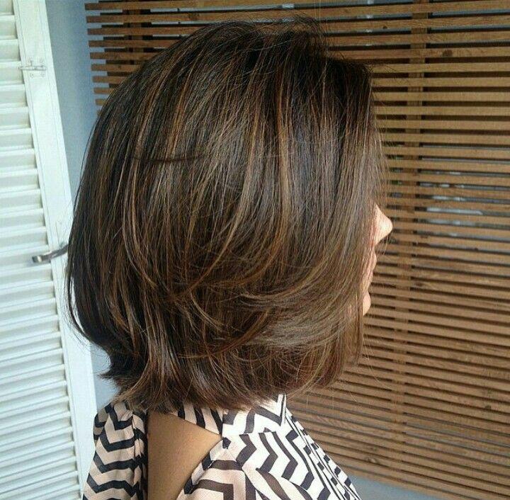 Corte de cabello corto en tres capas