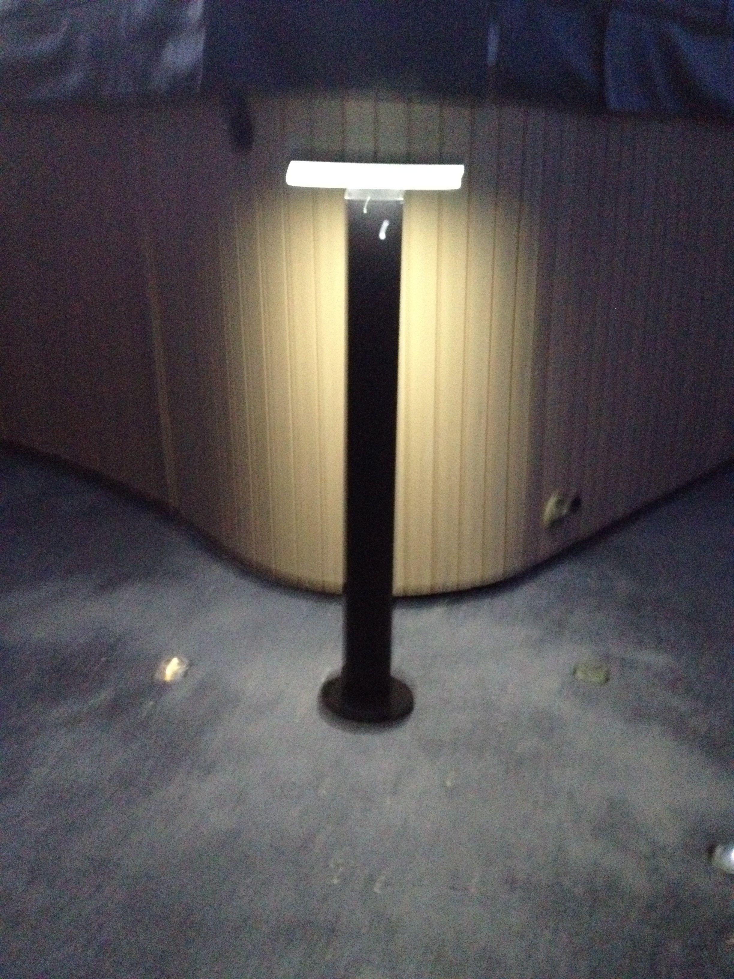 Solar Garden Light Model Sl Dn With 36 High Output Led