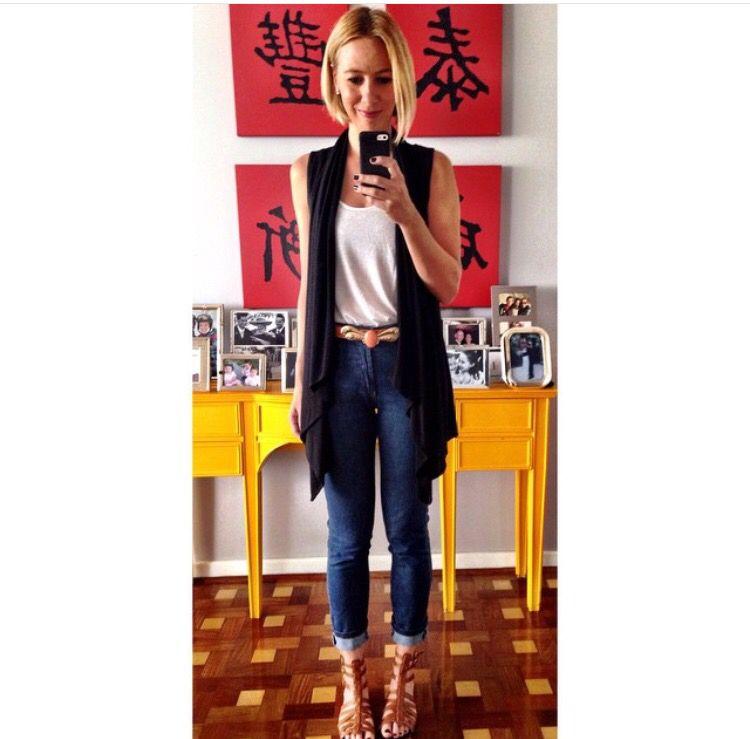 Colete e skinny jeans