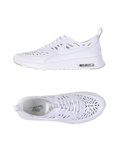64015f4189 Nike Women Sneakers on YOOX. The best online selection of Sneakers Nike.  YOOX exclusive items of Italian and international designers - Secure  payments