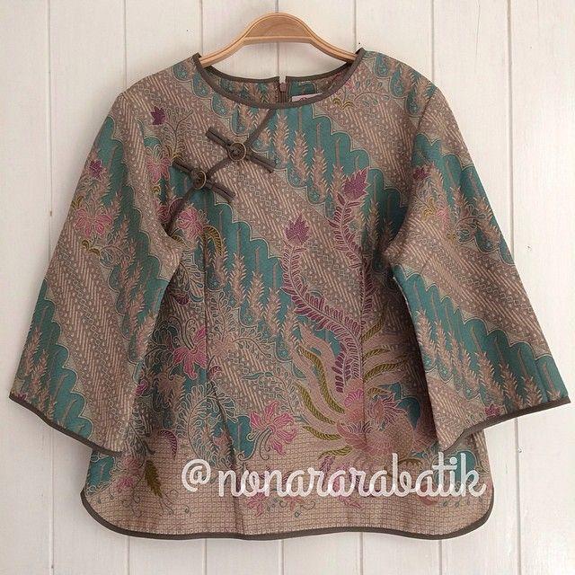 B14910 - IDR265.000 Bustline: 100cm Fabric: Batik Dobi Solo