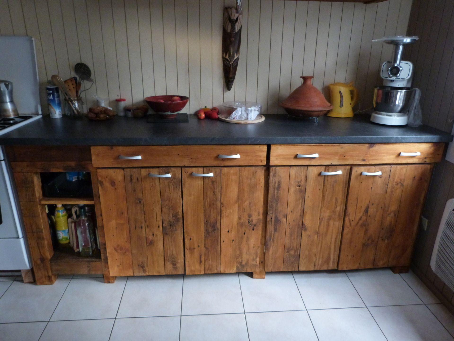 Cuisine en palette avec plan de travail immitation b ton mustang cuisine porte placard - Meuble cuisine en palette ...