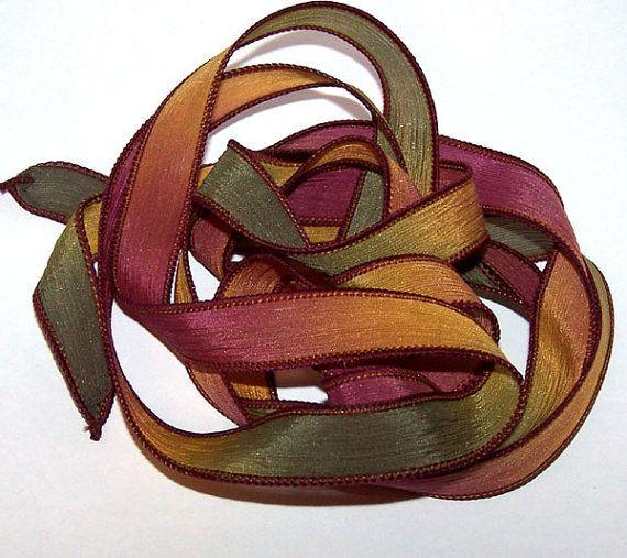He encontrado este interesante anuncio de Etsy en https://www.etsy.com/es/listing/231478998/sassy-silks-hand-painteddyed-ribbons