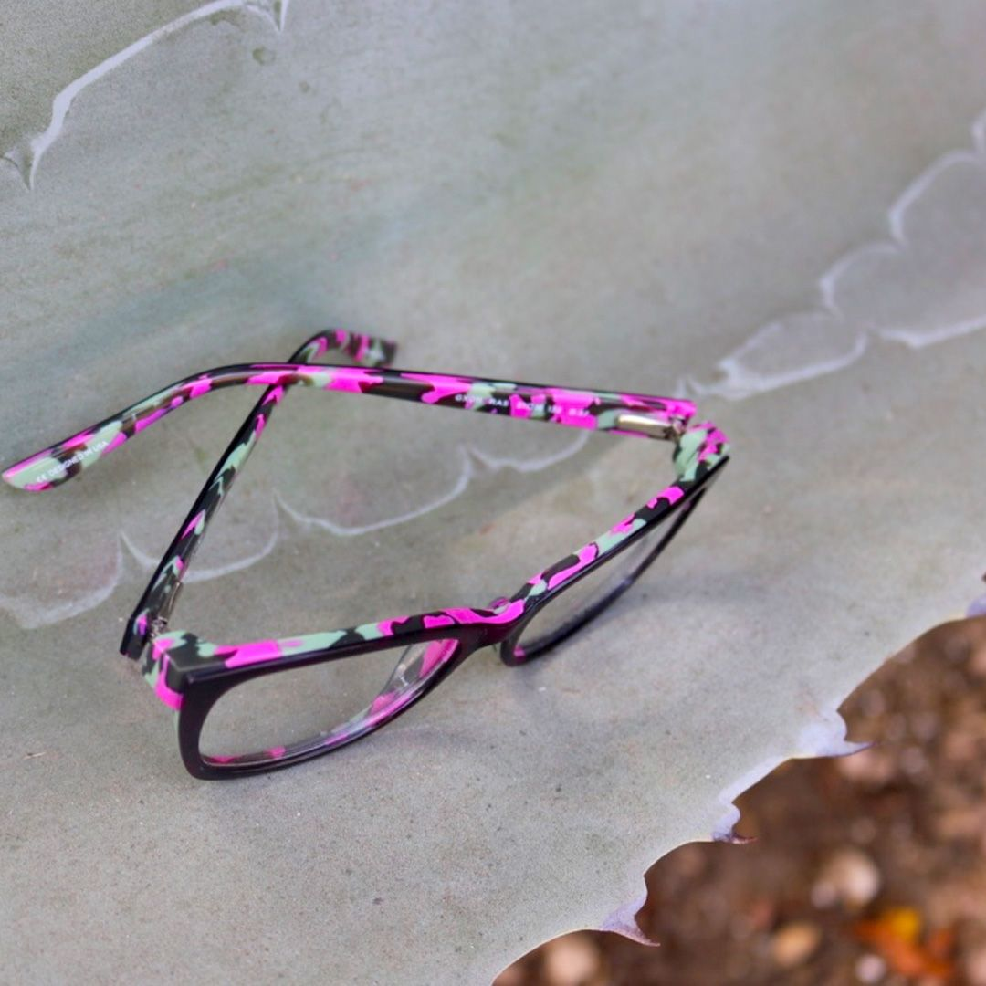 Gx By Gwen Stefani Eyewear Stylish And Colorful Glasses These Pink Speckled Frames Are So Fun Gwen Stefani Gwen Glasses Frames