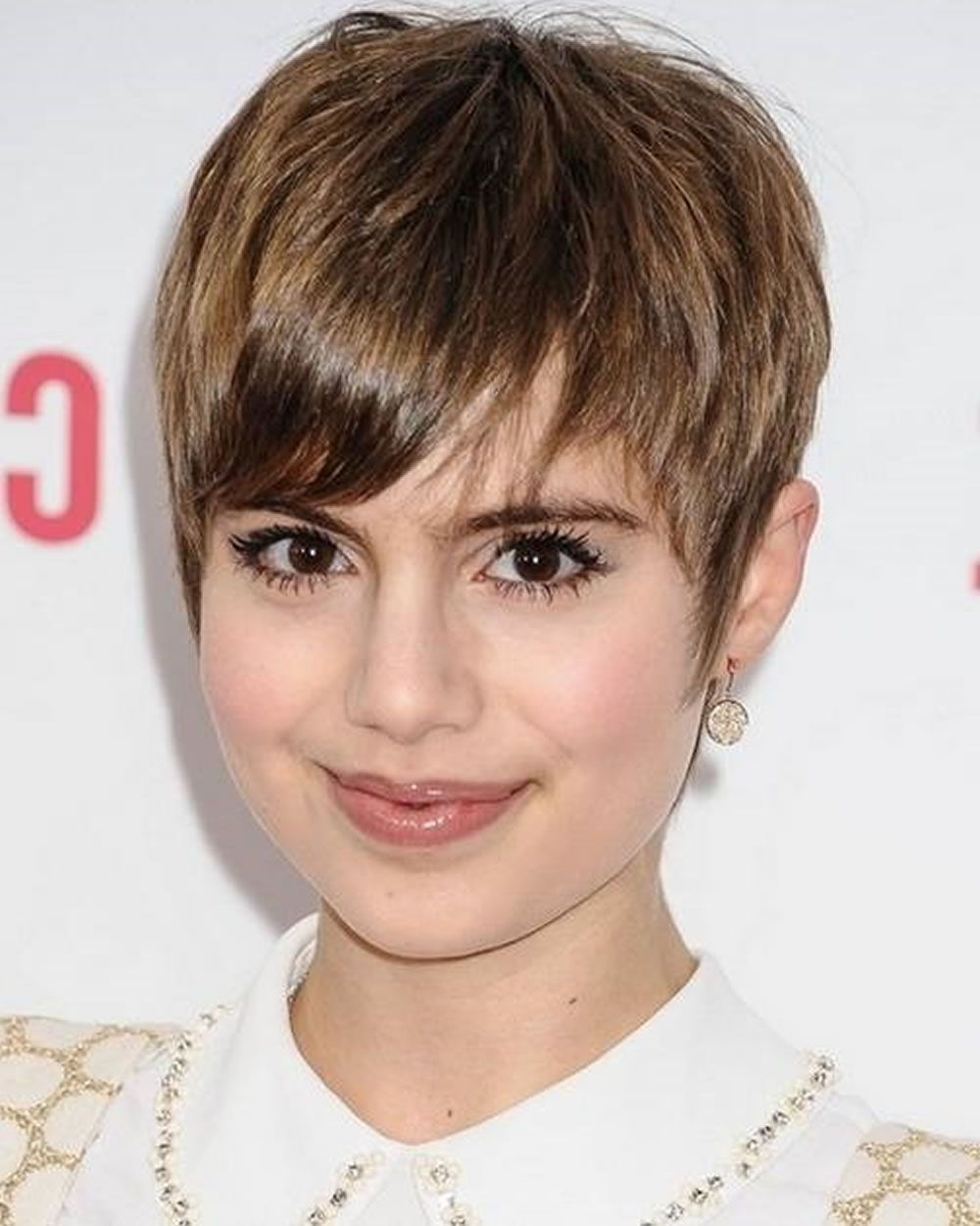 Top 10 Pixie Hairstyles For Round Faces Short hair