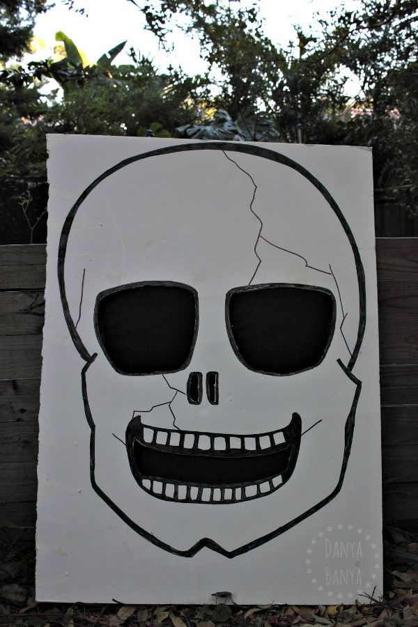 diy skull ghost bean bag toss game halloween toss game diy rh pinterest co uk