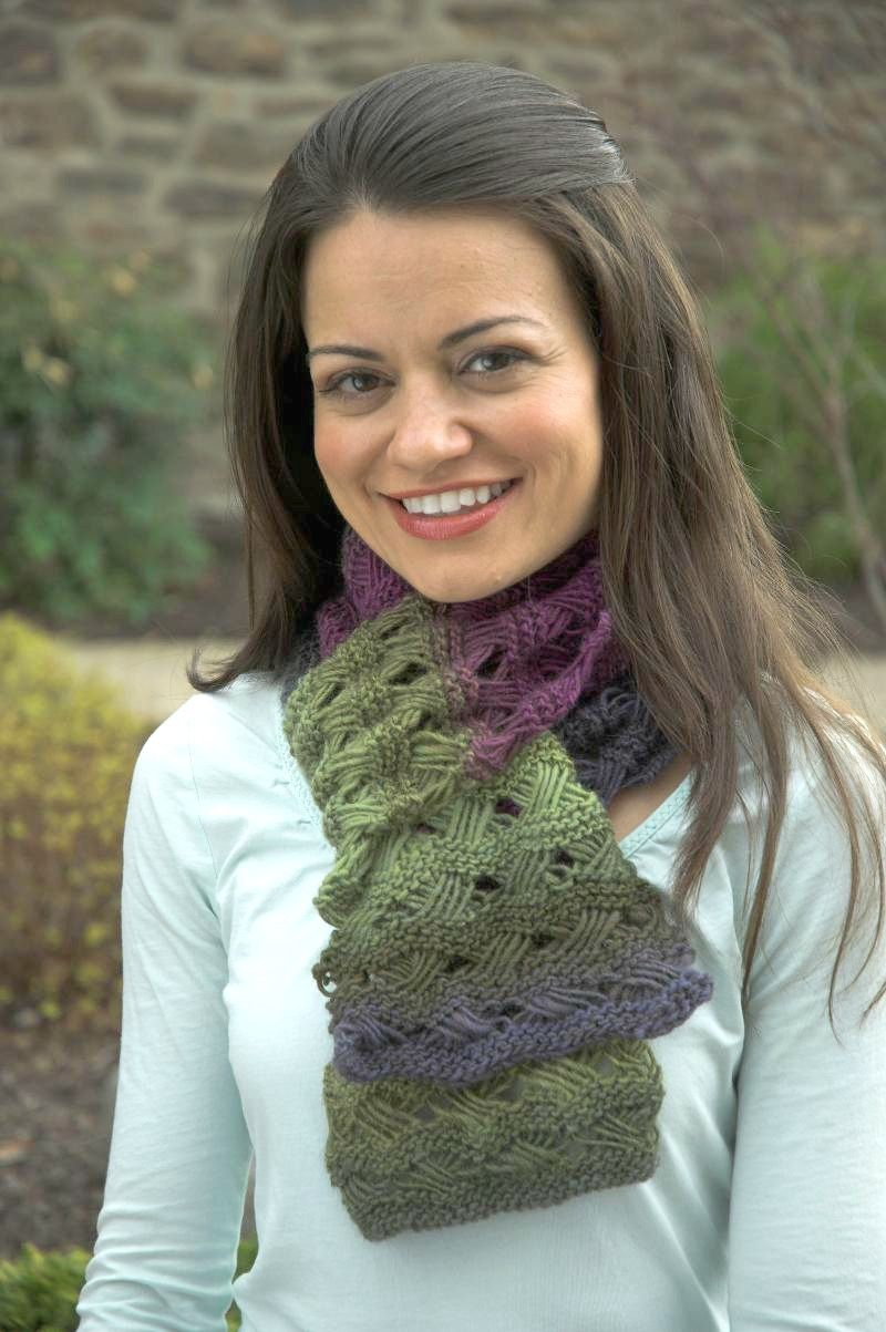 Try this free patternf428 gina scarf knitted scarfscowlswraps patterns bankloansurffo Gallery