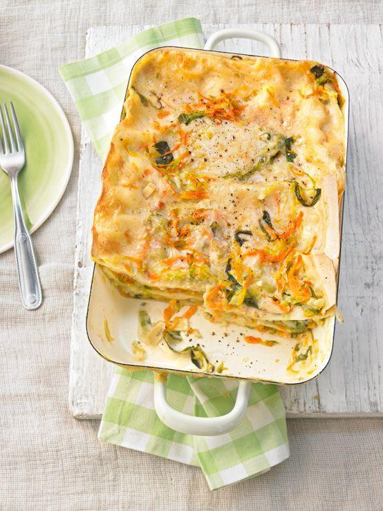 Wunderbare Kohl Mohren Lasagne Mit Salbei Und Muskatnuss Kostlicher Vegetarischer Spitzkohl Karotte Lasagne E In 2020 Rezepte Spitzkohl Kostlich Vegetarisch