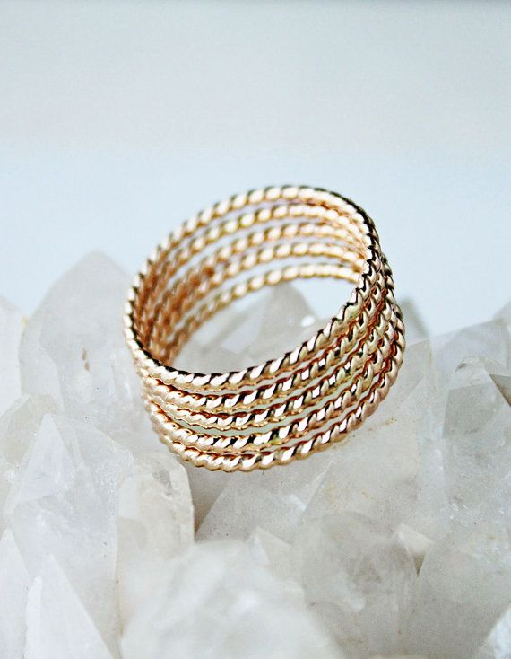 5 Golden Rings gold stacking rings 14k gold por ElisabethSpace