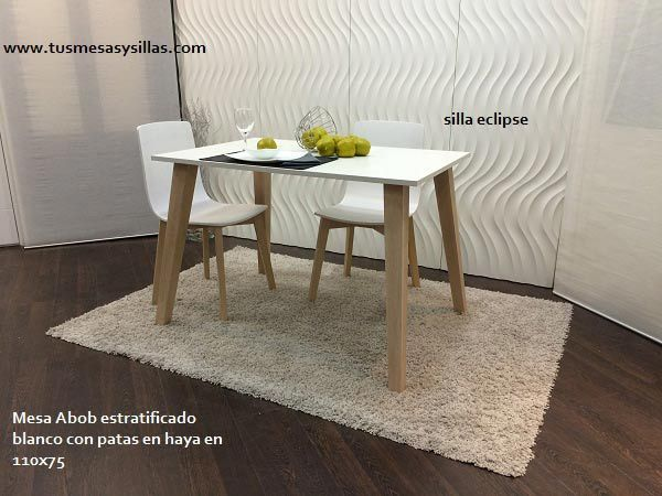 Mesa de comedor con patas inclinadas y encimera blanca se for Mesas cuadradas para comedor
