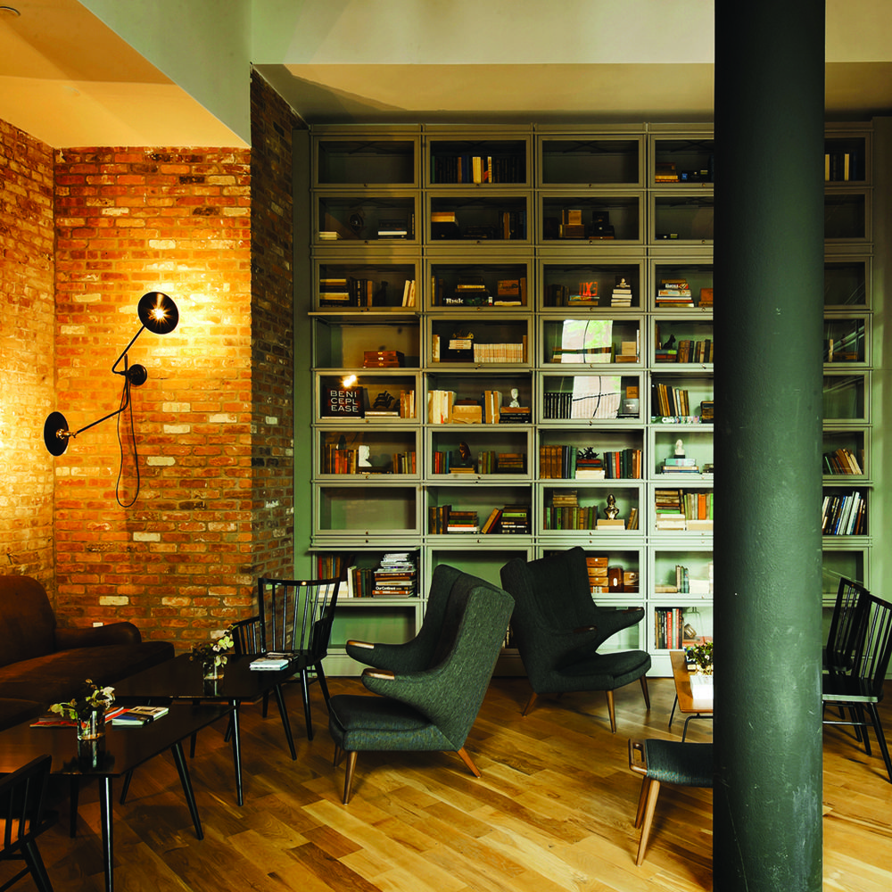 workstead bent wall lamp books furnish a room decoraci n hogar rh pinterest es