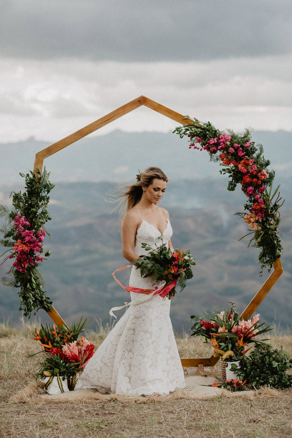 Heptagon arch, hexagon arch, geometric wedding inspiration