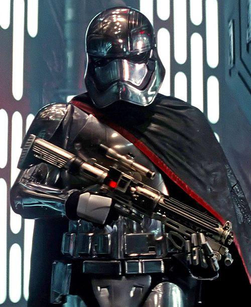Star Wars Gwendoline Christie Explains Captain Phasma Keeping Helmet On Star Wars Star Wars Trooper Star Wars Episode Vii