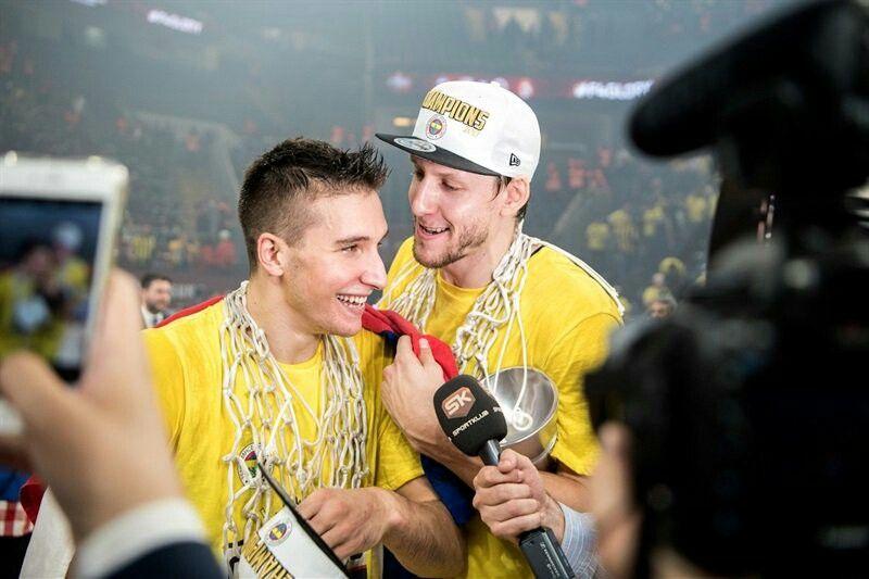 Bogdan Bogdanovic Jan Vesely Fenerbahe Champ Basketbol
