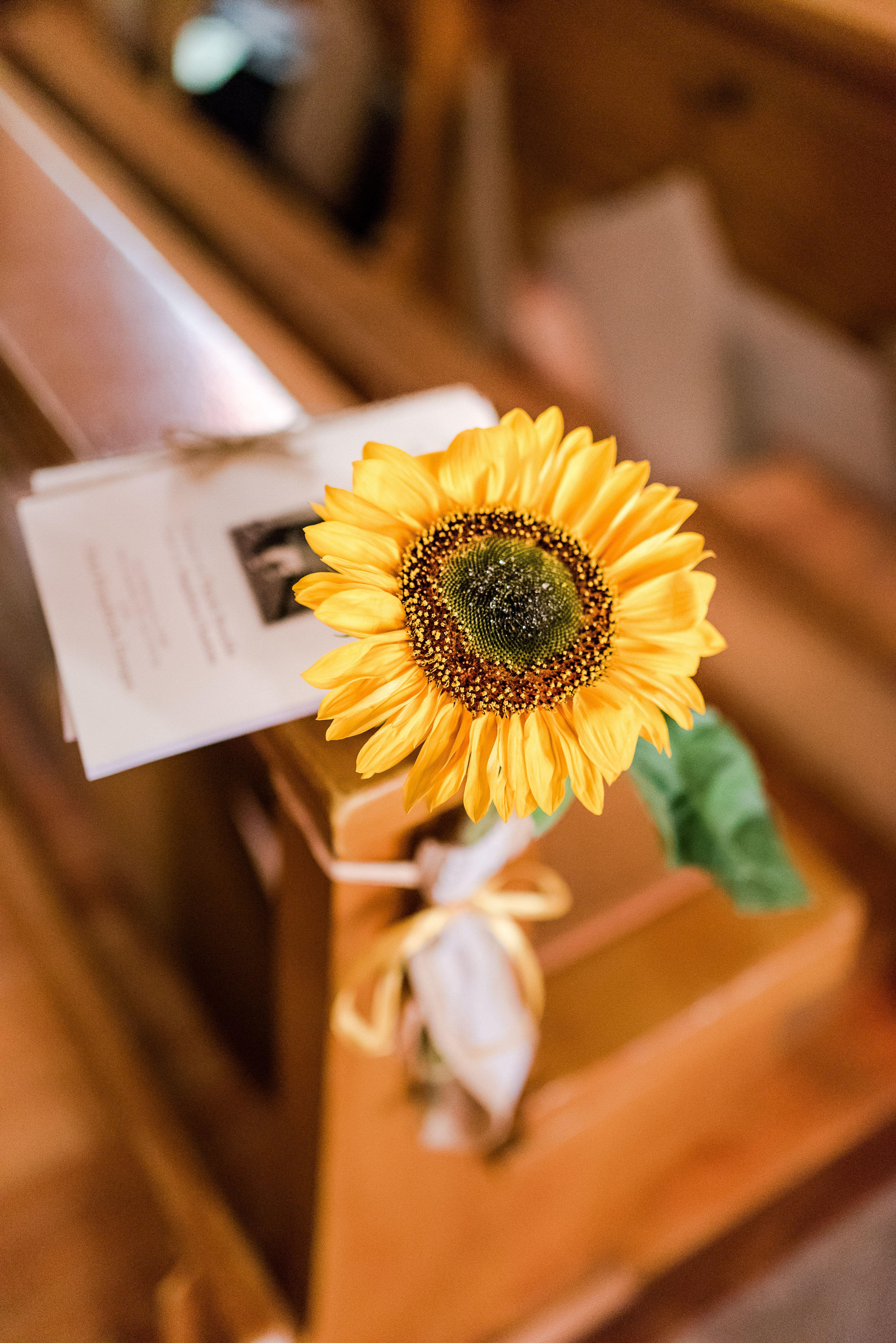 Sonnenblumen Hochzeitsdeko Fur Die Kirchliche Trauung Mit