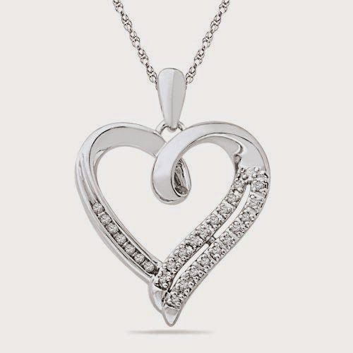 Diamond Necklaces - The Darlings of Fashion. http://whatwomenloves.blogspot.com/2014/11/diamond-necklaces-darlings-of-fashion.html