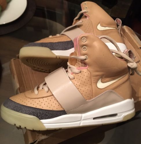 Nike Air Yeezy Net Tan size 10 366164-111