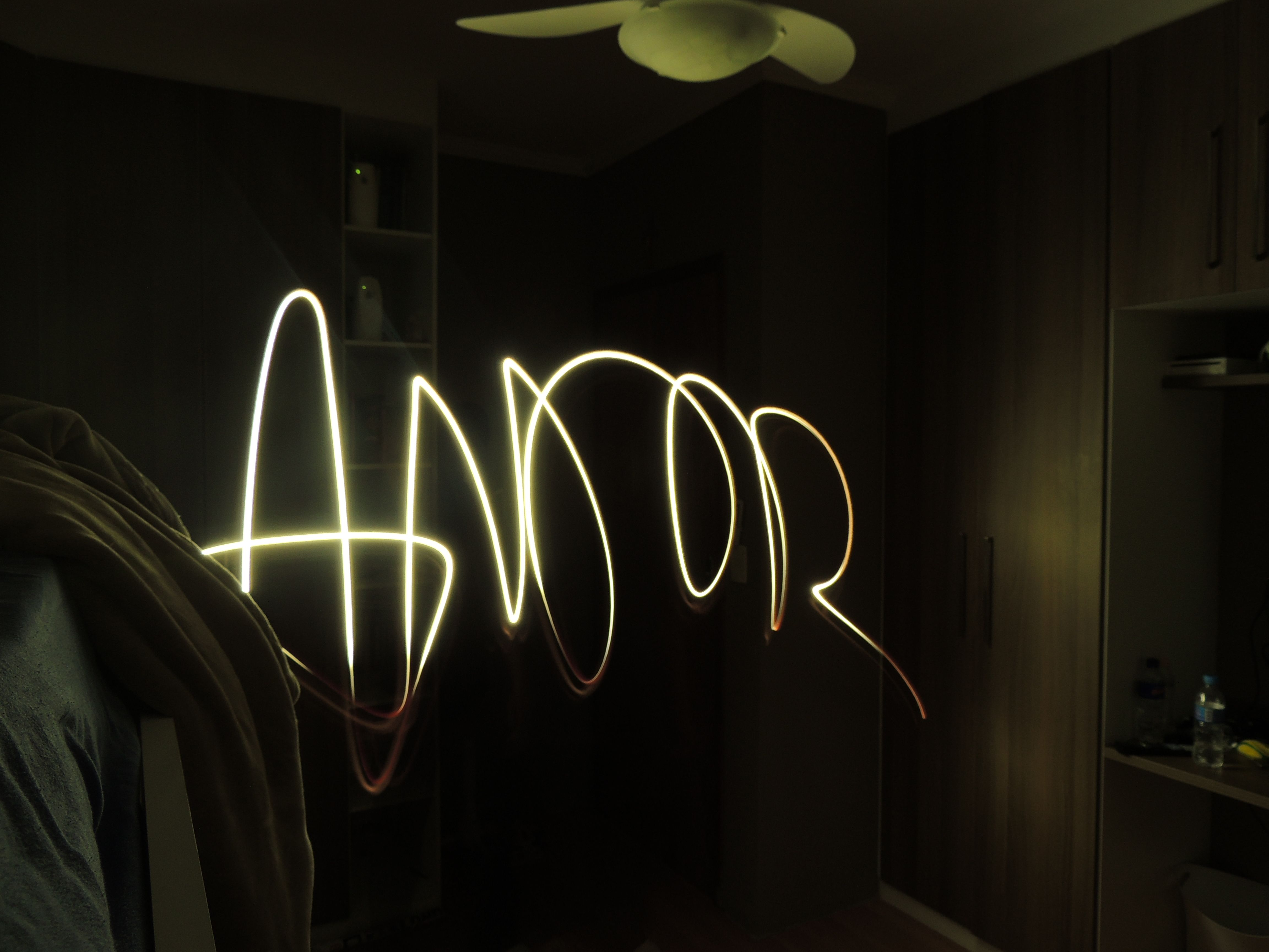 Paintlight in a room - AMOR