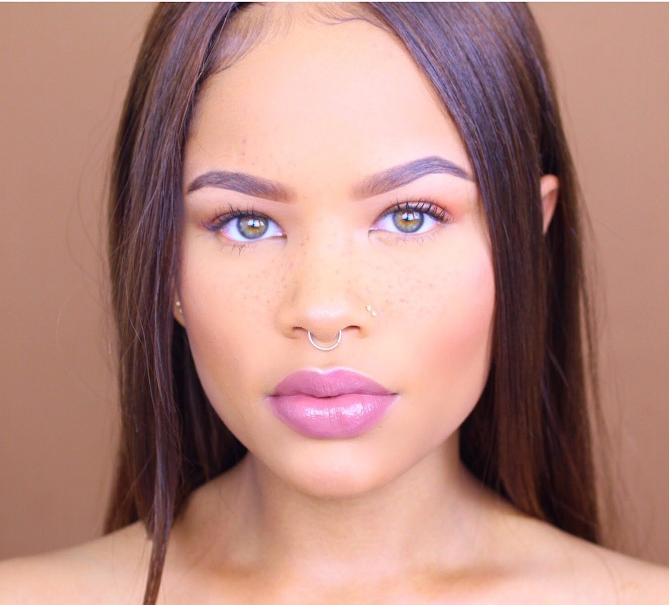 Natural Everyday Makeup Tutorial + Faux Freckles Natural