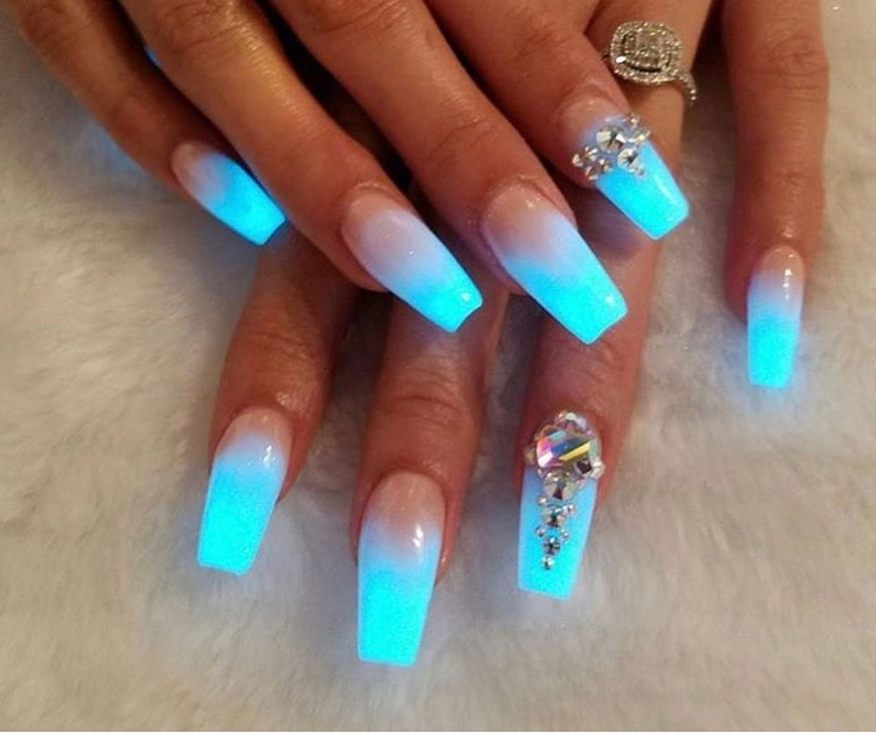 Nice Ice Blue Fade Glow Nails Nail Designs Nail Art Ombre