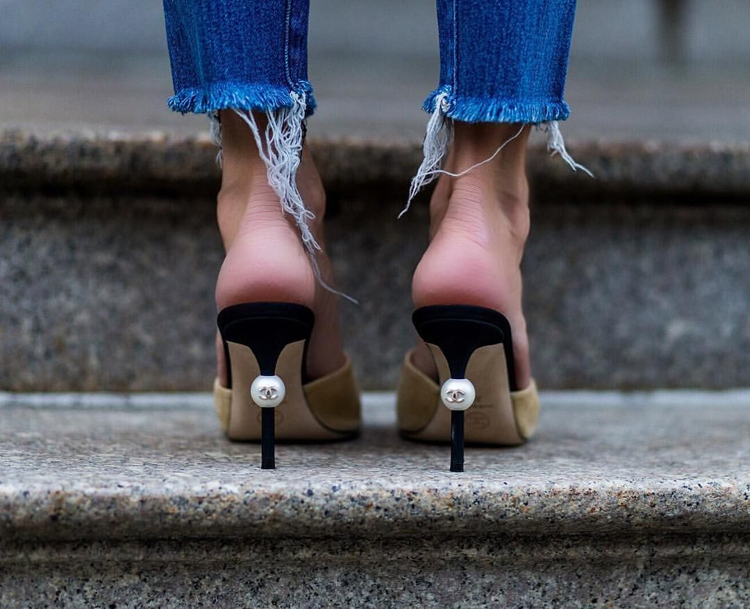 5dff97e99 Chanel Pearl heel | . fashion week . | Chanel heels, Chanel mules ...