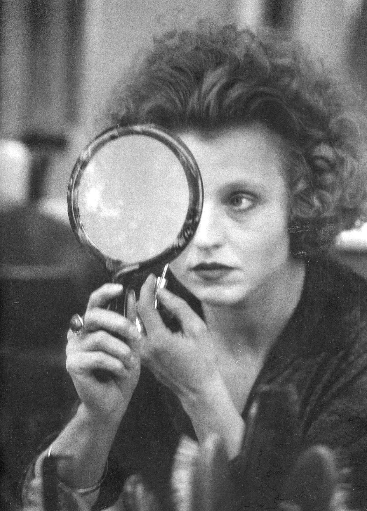 Actress Hanna Schygulla Looking In Hand Mirror While Applying Makeup Photo By Alfred Eisenstaedt Berlin Alexanderplatz Spiegelbild Hanna Schygulla